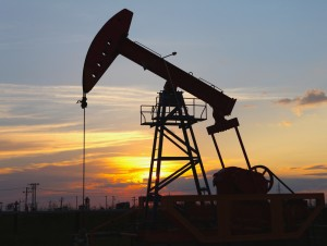 Commodities trading outlook: crude oil and natural gas futures climb