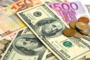 Forex Market: EUR/USD retreats from three-week highs after upbeat wholesale prices in the US