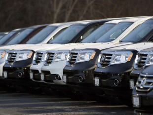 US auto sales in November may benefit from Black Friday, industry consultant Edmunds says