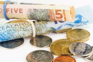 NZD/USD edges lower after Bernanke's statement, New Zealand inflation data