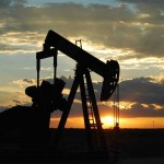Crude oil trading outlook: futures extend losses to reach fresh lows on Asia discounts