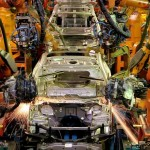 US automobile industry recovers, boosted by leases