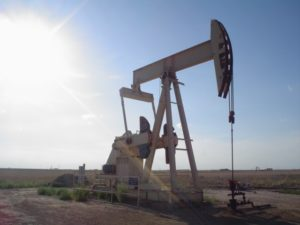 Commodities trading outlook: crude oil, natural gas futures climb as fundamentals weighed