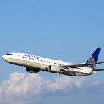 United Continental Holdings projects a revenue drop, as over 22 500 flights have been cancelled
