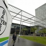 Bayer AG's share price up, posts a first-quarter net profit increase and confirms full-year forecasts, considers plastics unit sale