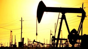Crude oil trading outlook: WTI and Brent futures extend slump