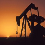 Crude oil trading outlook: futures decline on record US stockpiles, Saudi comments support
