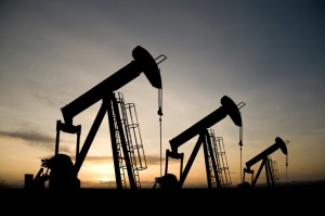 Crude oil trading outlook: futures fall on USA and Asia discounts