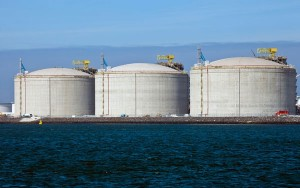 Natural gas trading outlook: futures steady on bearish weather, inventories
