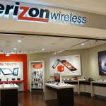 Verizon share price down, joins US carrier price war