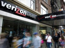 Verizon shares retreat a third straight session on Wednesday, company moving closer to Yahoo acquisition