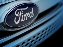 Ford shares retreat the most in a week on Monday, a tariff-free Brexit seen as crucial for company's jobs in the UK