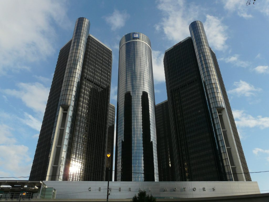 GM Q2 net drops 42% on Europe exit