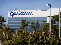 Qualcomm shares gain for a second straight session on Monday, company to meet with Broadcom on Wednesday