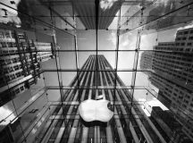 Apple shares fall the most in six weeks on Wednesday, company files counter suit against Qualcomm over patent violation