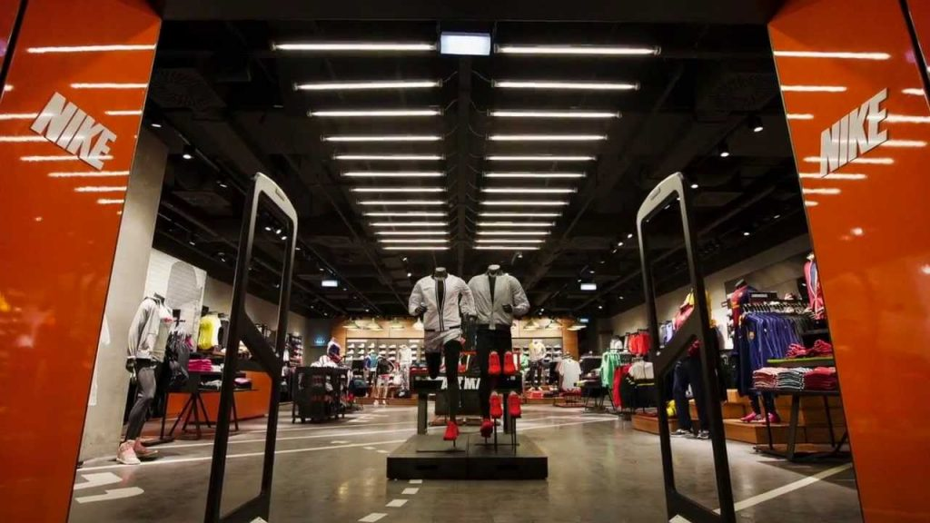 Nike Inc (NKE) said on Monday that it would open a new 69 000 square feet flagship  store at 650 Fifth Avenue in New York in early 2019.