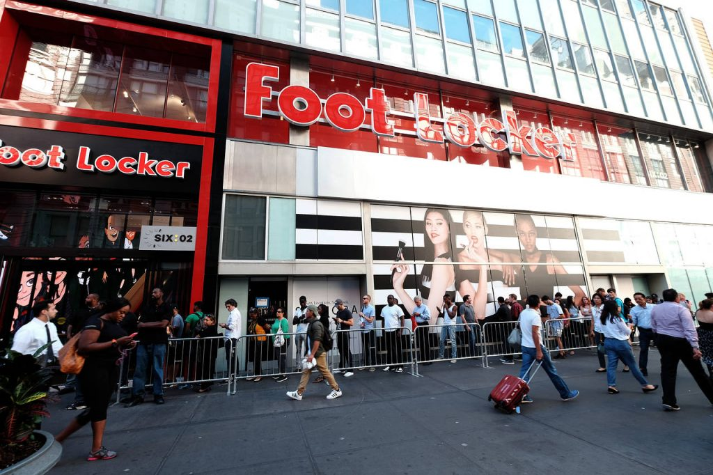 foot locker research paper Essays, term papers & research papers swot analysis is a vital strategic planning tool that can be used by foot locker managers to do a situational analysis of the firm.