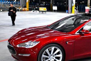 """Tesla shares close lower on Thursday, Needham cuts rating on the stock to """"Underperform"""" on possible pick-up in Model 3 cancellations"""