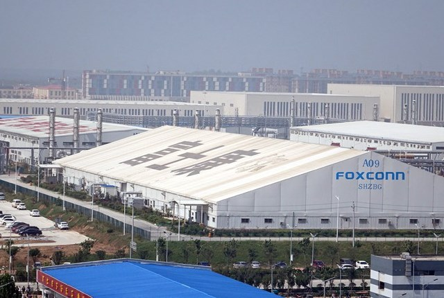 Foxconn reveals huge cost of Apple dependence