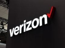 Verizon shares close lower on Monday, company to launch 5G smart phones with Samsung in the US next year