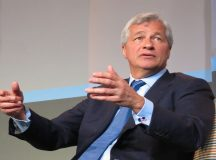 J.P. Morgan shares gain for a sixth straight session on Thursday, bad mortgage rules hamper US economic growth, CEO Dimon says