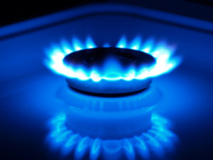 Natural gas trading outlook: futures rebound to pare weekly losses
