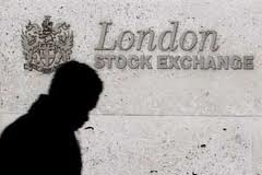 UK stocks dipped, investors consider Fed
