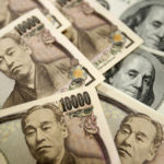 USD/JPY edges lower despite record Japan's current account deficit