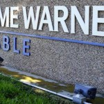 Time Warner Inc.'s share price down, negotiates over the acquisition of a stake in Vice Media Inc. to diversify content