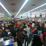 Wal-mart reports strong sales amid labor strikes