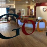 Google Inc.'s share price down, strikes a licensing deal with Room 77 Inc. to expand its reach in hotel-booking software segment