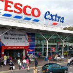 Tesco Plc' share price up, posts a decline in first-quarter sales, faces price war with discount chains