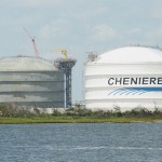 Cheniere Energy Inc.'s share price up, faces easier regulatory approval procedures, tries to impose a new pay plan