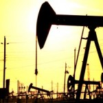 Crude oil trading outlook: WTI and Brent futures headed for weekly gains as Iraq, Ukraine crises support
