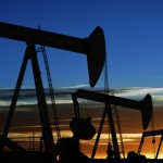 Crude oil trading outlook: futures gain ahead of US supply data, demand worries weigh
