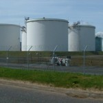 Crude oil trading outlook: WTI futures gain on Cushing draws, Brent steady; US economy, Ukraine