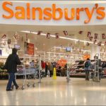 Sainsbury Plc' share price up, reports further sales decline, but forecasts growth resumption
