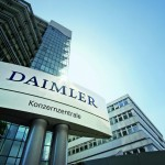 Daimler AG's share price up, reveals an 80% increase in cash flow from industrial operations