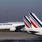 Air France-KLM share price down, worker unions postpone negotiations