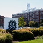 General Electric shares fall for a seventh straight session on Thursday, complete break-up may not occur, spin-off more likely, CNBC reports