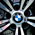 BMW shares close higher on Monday, production at several plants disrupted due to a shortage of parts