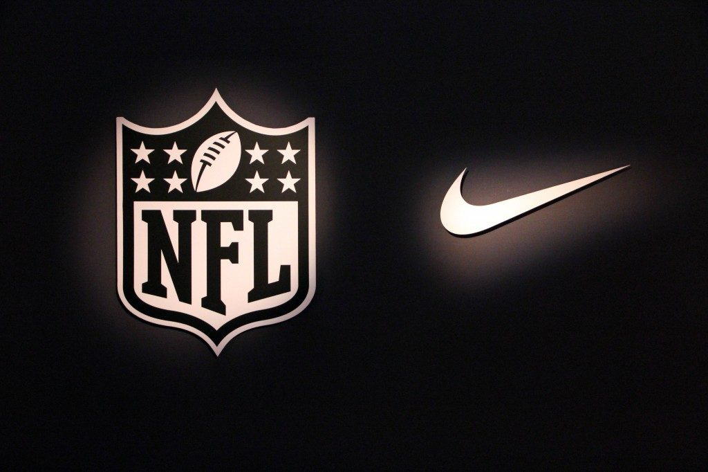 centavo Maryanne Jones De alguna manera  Nike shares close lower on Wednesday, company inks long-term extension of  partnership with the NFL
