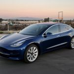 Tesla shares fall for a fifth straight session on Friday, auto maker misses weekly production target of 6 000 Model 3s, Electrek reports