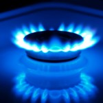 Natural gas advances on cold weather outlook