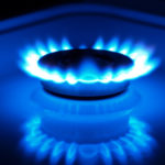 Natural gas rallies on above-normal temperatures