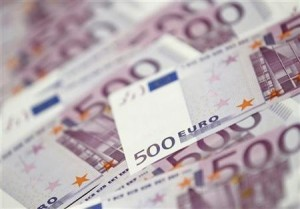 292169-euro-edges-higher-versus-dollar-ahead-of-ecb